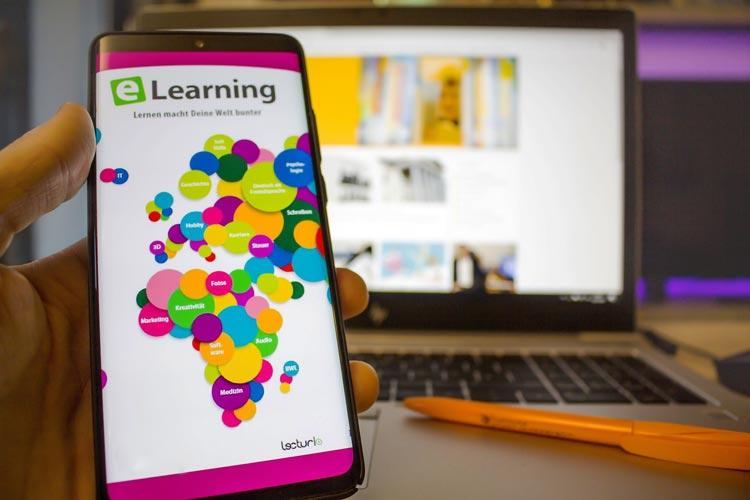 Alle Kundinnen und Kunden der Stadtbibliothek Oldenburg können ab sofort kostenfrei auf ein umfangreiches eLearning-Angebot zugreifen.