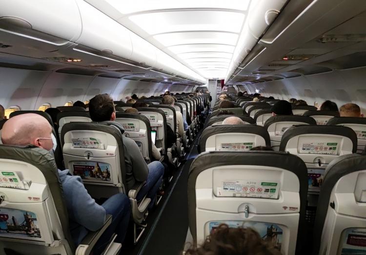 Flugpassagiere während der Coronakrise, über dts Nachrichtenagentur