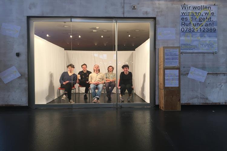 Das Künstlerkollektiv Compagnie Trottvoir geht für ein Recherche-Projekt freiwillig in Quarantäne.