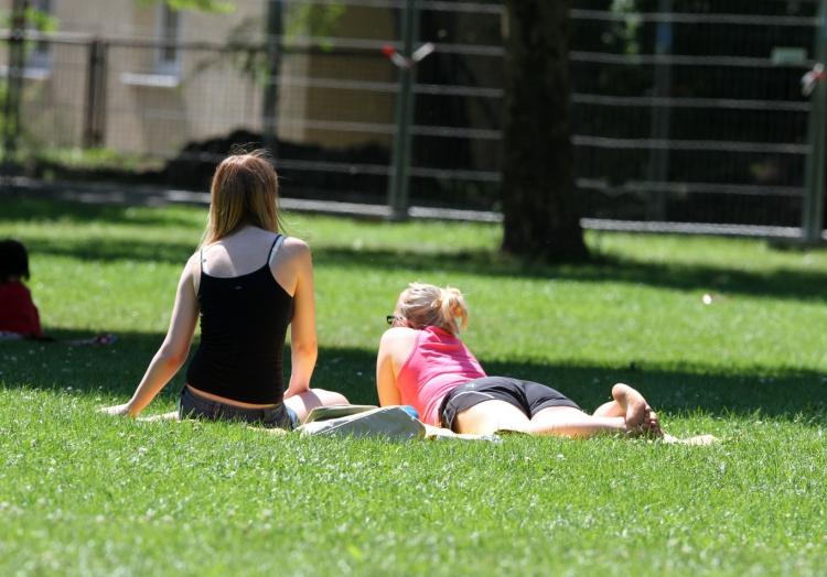 Frauen in einem Park, über dts Nachrichtenagentur