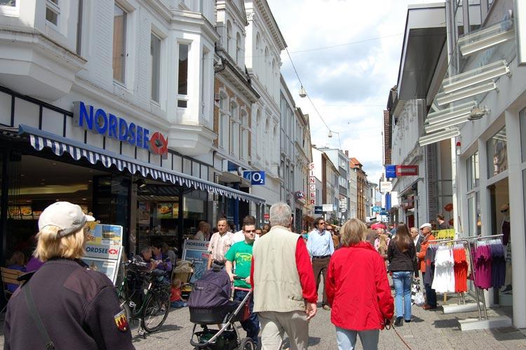 Die belebte Achternstrasse in der Oldenburger Innenstadt – vor Corona.