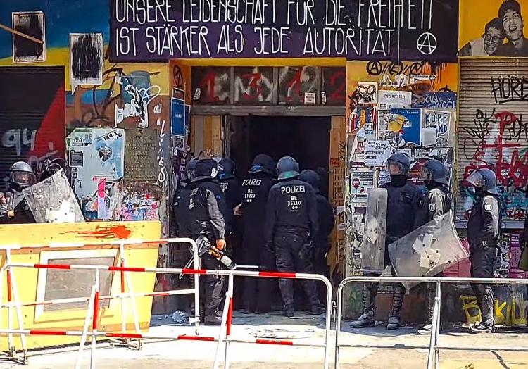 Polizeieinsatz in der Rigaer Straße 94 am 17.06.2021, über dts Nachrichtenagentur