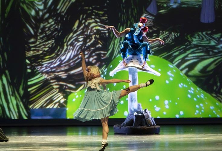 """Die BallettCompagnie Oldenburg feiert am Samstag, 12. Juni, 19 Uhr, im Großen Haus des Oldenburgischen Staatstheaters ihre Premiere von """"Alice im Wunderland """" in der Choreografie von Antoine Jully."""