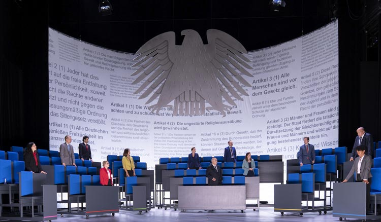 """Die """"Demokratische Sinfonie"""" von Paul Brody nach einem Libretto der Abgeordneten des 19. Deutschen Bundestages feiert am Samstag, 11. September, um 19.30 Uhr im Großen Haus seine zweite Premiere."""