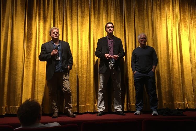 """Für das Filmteam von """"Swing"""" mit Erfolgsregisseur Michael Mailer (l.) gab es nach der Weltpremiere im Casablanca Programmkino langanhaltenden Applaus."""