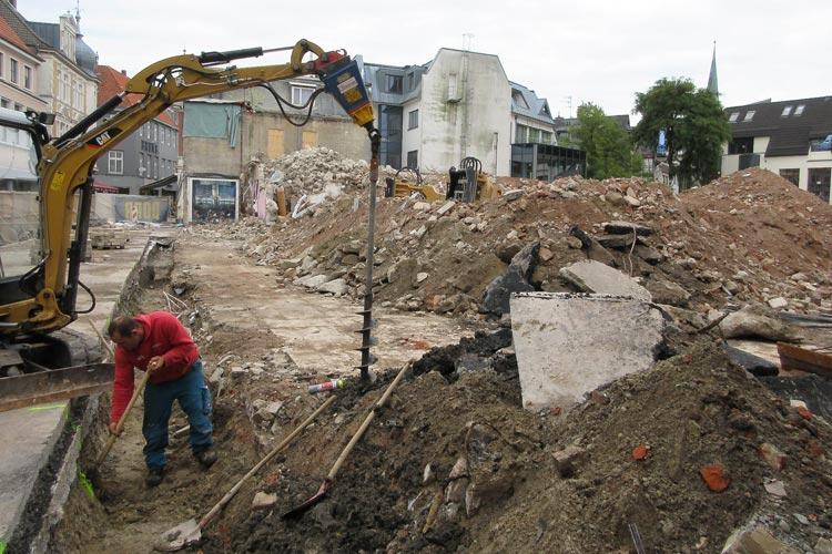 Die Abrissarbeiten im Abraham-Quartier in Oldenburg sind abgeschlossen. Jetzt ist der Startschuss für den Hochbau gefallen.