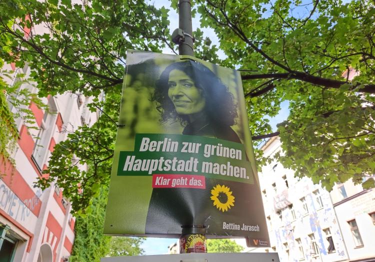 Bettina Jarasch auf Grünen-Wahlplakat, über dts Nachrichtenagentur