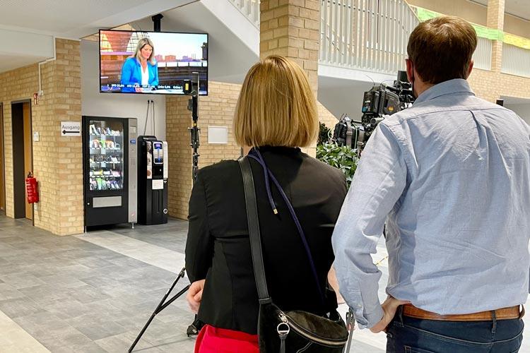 Gäste im Oldenburger Wahlzentrum.
