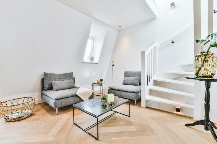 Das Wohnzimmer ist der Wohnbereich, in dem die meiste aktive Zeit verbracht wird.